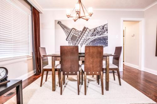 11 Cicerella Crescent Toronto-large-013-15-Dining Room-1500x1000-72dpi