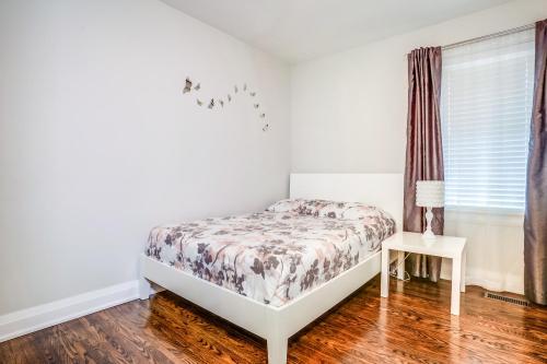 11 Cicerella Crescent Toronto-large-024-52-Bedroom-1500x1000-72dpi
