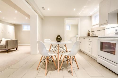 11 Cicerella Crescent Toronto-large-035-40-Lower Level-1500x1000-72dpi