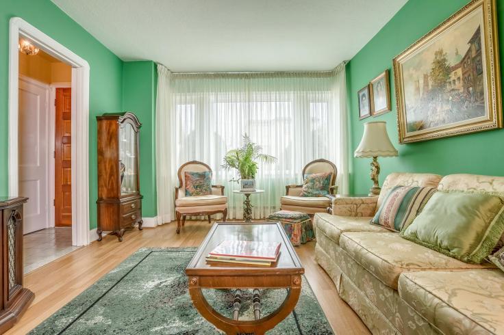 7 Dieppe Rd Toronto ON M4J 2K9-large-012-6-Living Room-1500x1000-72dpi