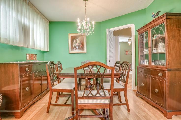 7 Dieppe Rd Toronto ON M4J 2K9-large-014-36-Living Room-1500x1000-72dpi