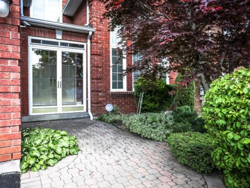 238 Valleymede Dr Richmond-MLS_Size-004-3-Exterior Front-640x480-72dpi